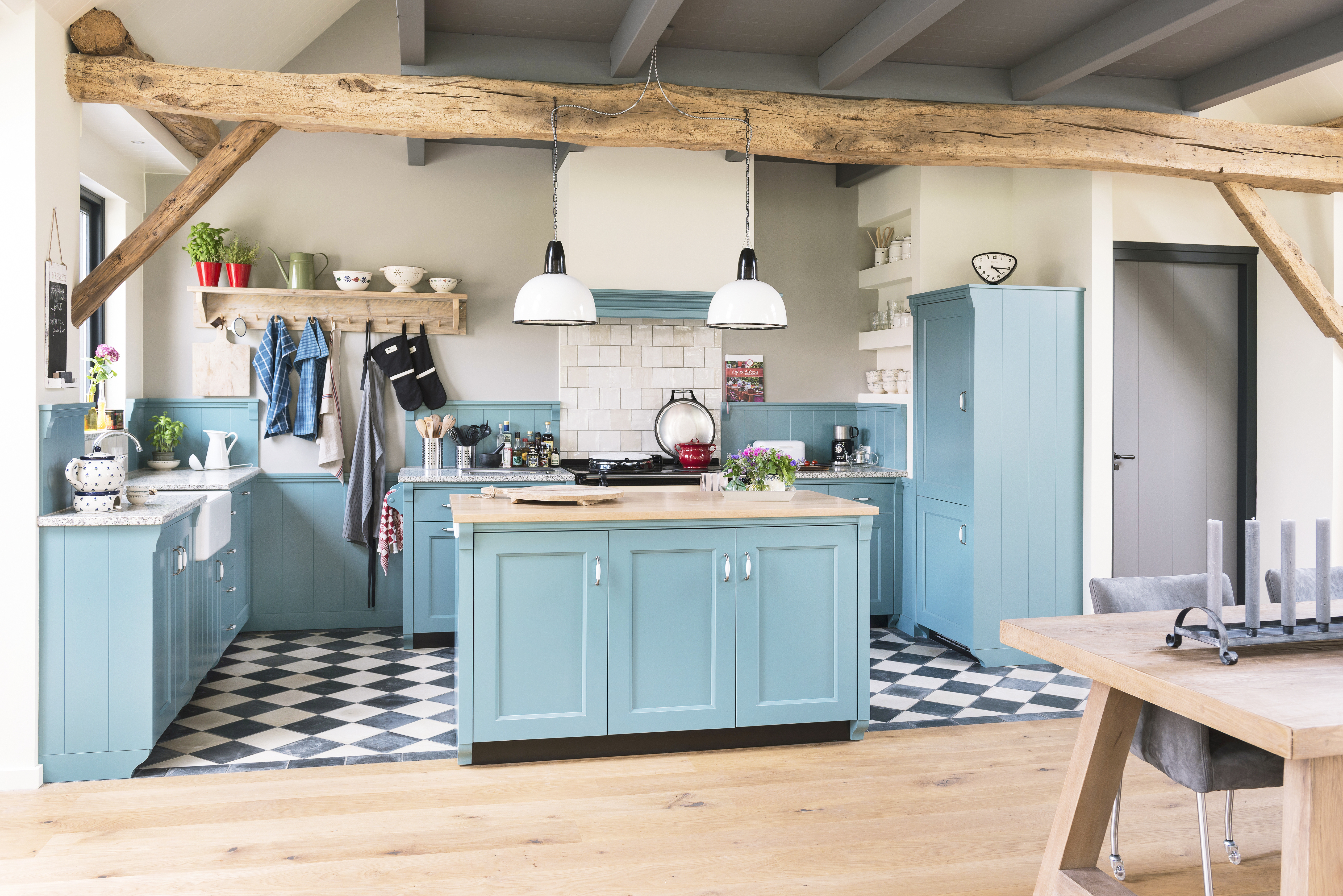 Beige Landelijk Keuken : Unieke landelijke keukens gedetailleerd maatwerk door zwiers
